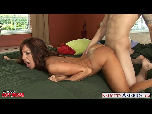 Brunette cougar tara holiday sucks a and gets fucked