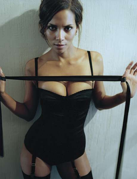 Halle berry nude naked boobs big tits pussy halle berry nude naked boobs big tits pussy big