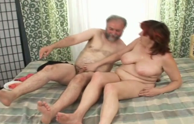 Older couple fucking in missionary free tubes look
