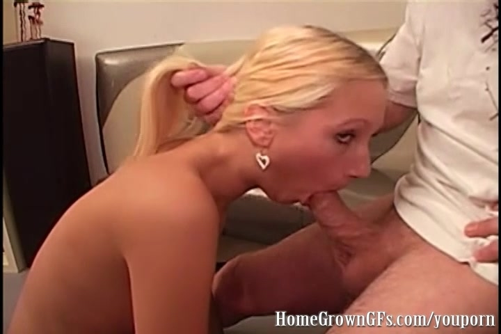 Hot blonde with nice shaved pussy