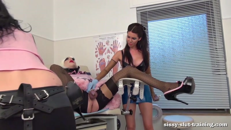 Med examined and strapon fucked male asshole