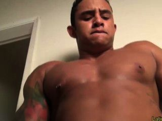 Muscle hunk solo hotntubes porn