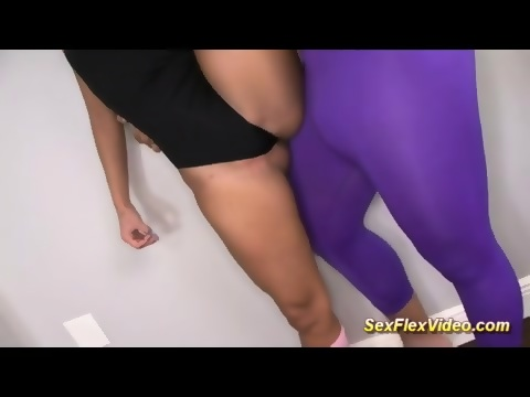 Asian couple sex in pantyhose live